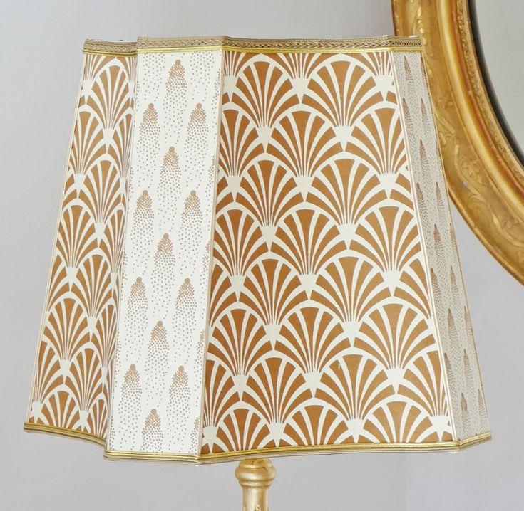 Abat-jour carré incurvé et coin coupé. Design lampshade. Abat-jour original
