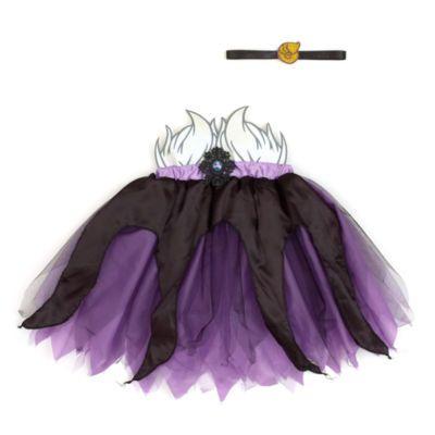Ajoutez une touche de malice à leur tenue avec ce tutu Ursula. Inspiré de La Petite Sirène, il est violet et noir et orné de paillettes à la taille avec un écusson représentant Ursula. Il est accompagné d'un serre-tête pour un look parfait.