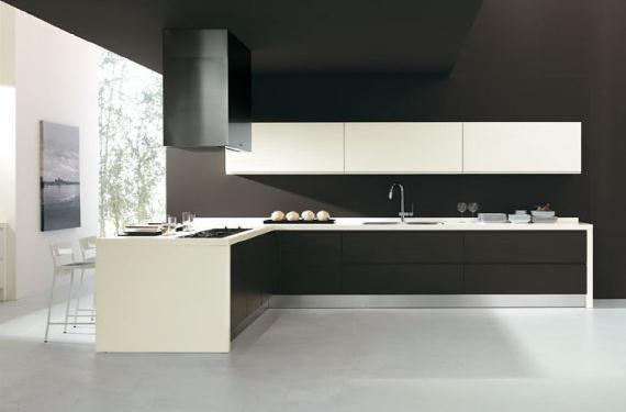 Cocina espaciosa y moderna en blanco con negro on 1001 Consejos  http://www.1001consejos.com/social-gallery/cocina-espaciosa-y-moderna-en-blanco-con-negro