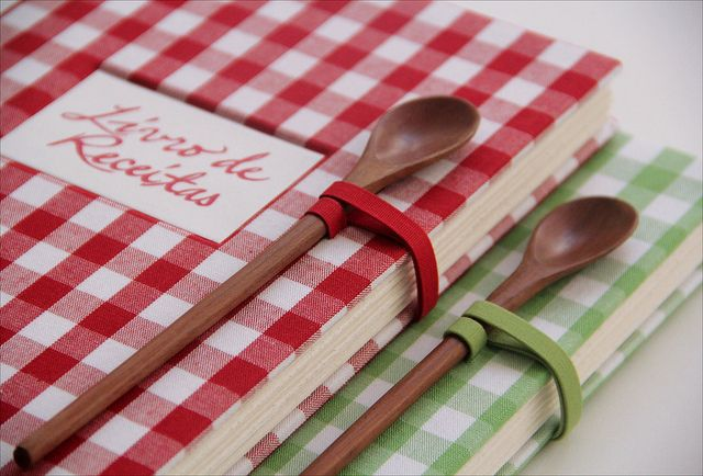 I LOVE this idea. I want to make a couple family recipe books for gifts next year. Time to start collecting recipes!