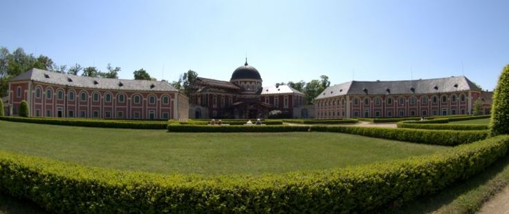 Zámek Veltrusy - hlavní budova