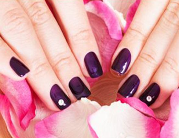 In #nail #care #Anna's #salon provides #manicure, #pedicure and ten fingers and toes #service. They have best #experts for nail care service in Aliquippa.