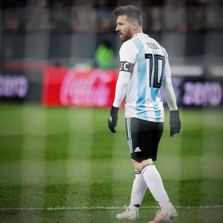 "138.5 mil Me gusta, 175 comentarios - Team Messi (@teammessi) en Instagram: ""Leo Messi lands in Moscow. Next stop: The 2018 @fifaworldcup. #HereToCreate #NEMEZIZ """