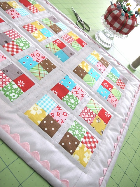 Bee In My Bonnet: How to Bind a Quilt Tutorial... (I love the ric rac edging!)