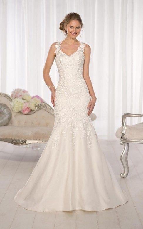 abito da sposa milano outlet, scollo a cuore, con strascico corto, tessuti utilizzati raso e pizzo e decorazioni