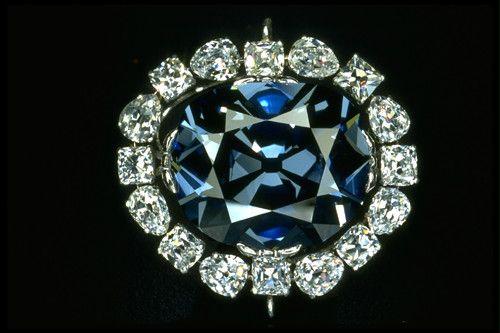 Hope diamond (45.52 carats).