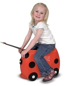 Does your kiddo love to bring their toys and possessions with them while traveling? Do their little legs get tired from walking to each terminal? The Ruby the Red Trunki in its cute lady bug look will be a smash amongst kids up to 100 pounds.: Doug Drinks, Allowance Children, Kids Stuff, Allowance Kids, Trunki Kids, Toys, Kids Luggage, Girls Stuff, Melissa D'Arabian