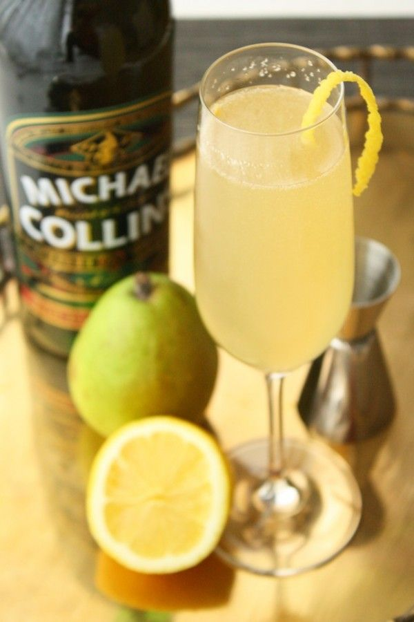 St. Patrick's Day Cocktail: Pot of Gold: Pears Juice, St. Patrick'S Day, Lemon Twists, Gold Cocktails, Cocktails Parties, Pots Of Gold, Irish Whiskey, Champagne Cocktails, Cocktails Recipes
