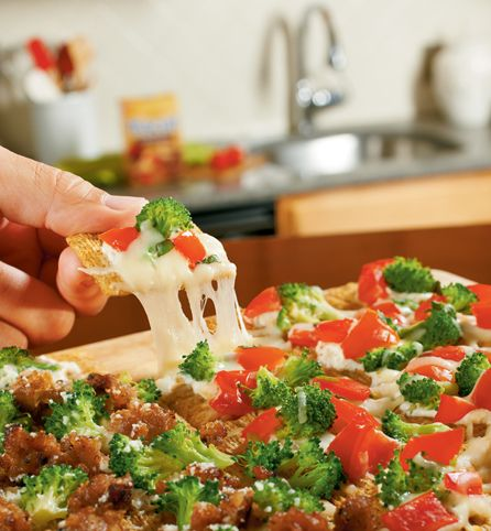 Throw together the family's favorite toppings onto our Triscuit Pull-Apart Pizza, and everyone wins!