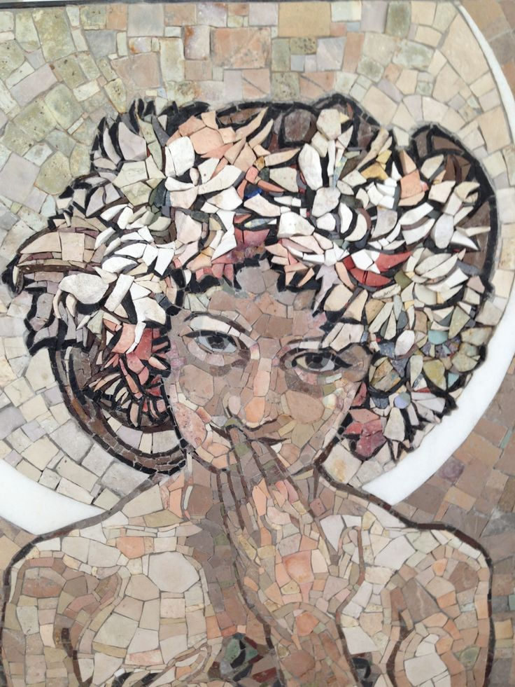 Clair de Lune - Alphonse Mucha  Detail of the face by Ilaria Del Signore  Material_Marbles   56*140 cm  Scuolamosaicistidelfriuli a.s. 2013/2014