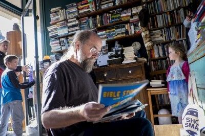 In the Age of Amazon, Used Bookstores are Making an Unlikely Comeback | The Washington Post