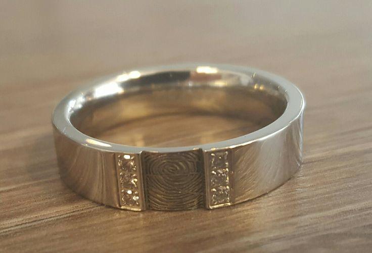 zilveren ring met vingerafdruk www.gedenkenschenk.nl