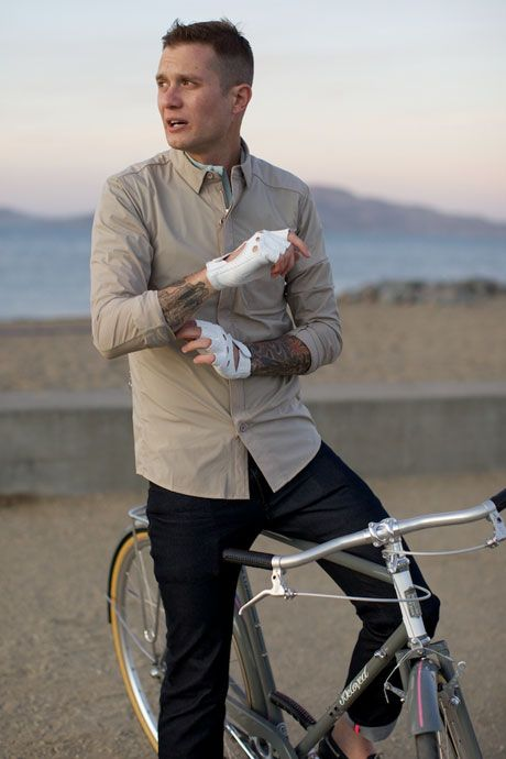 Windproof city cycling shirt - all you need to stay smart and comfortable. Highly recommended!