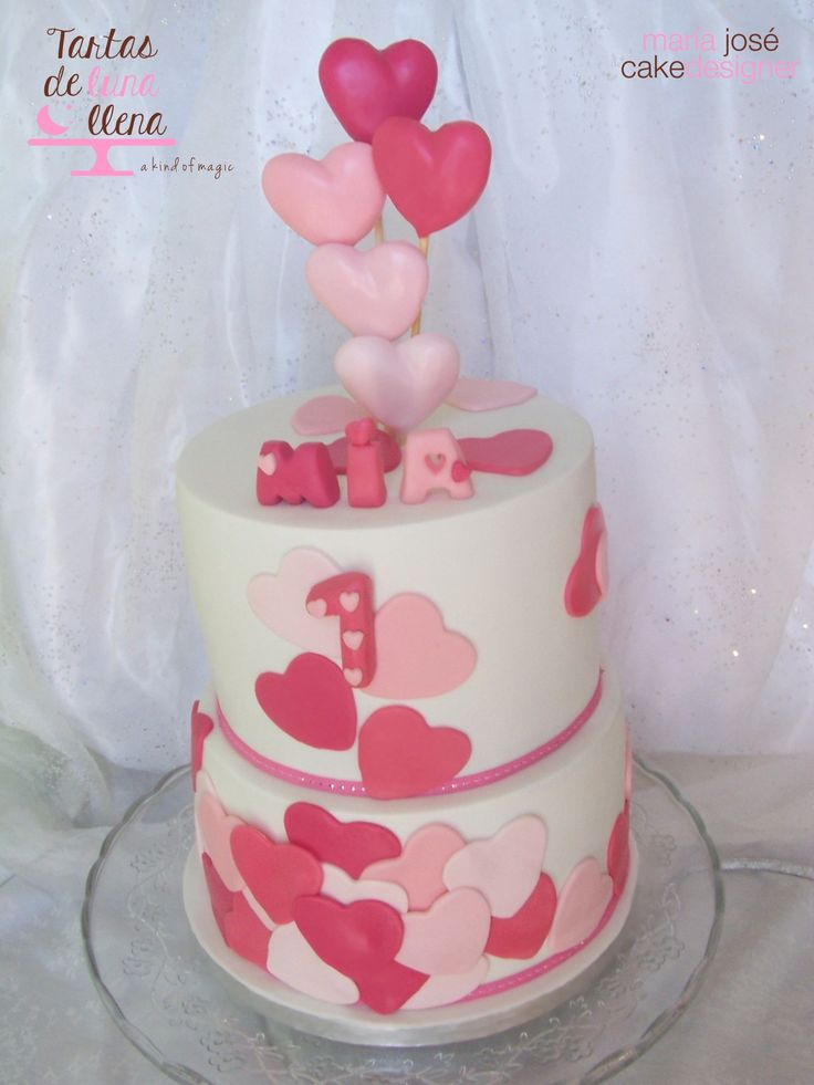 Tarta Corazones para primer cumpleaños Hearts 1st birthday cake www.tartasdelunallena.blogspot.com maria jose cake designer