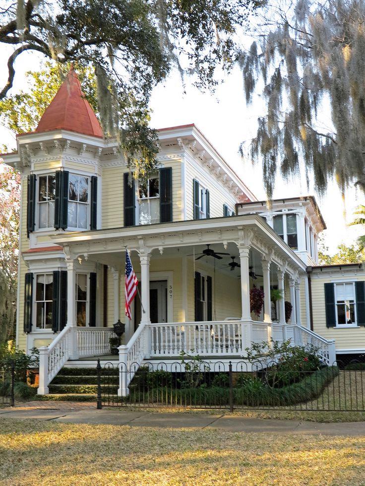 The 25+ Best Victorian Porch Ideas On Pinterest