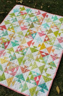"""Freshly Pieced Modern Quilts: """"Kissing Fish"""" Baby Quilt - Free Pattern!"""