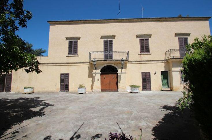 Palazzo fine '700 ex masseria in Arnesano (LE), Puglia in vendita | www.findhouseitaly.com