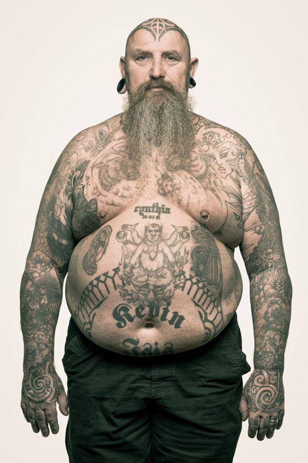 Fotógrafo holandês descobre histórias de vida pela tatuagem
