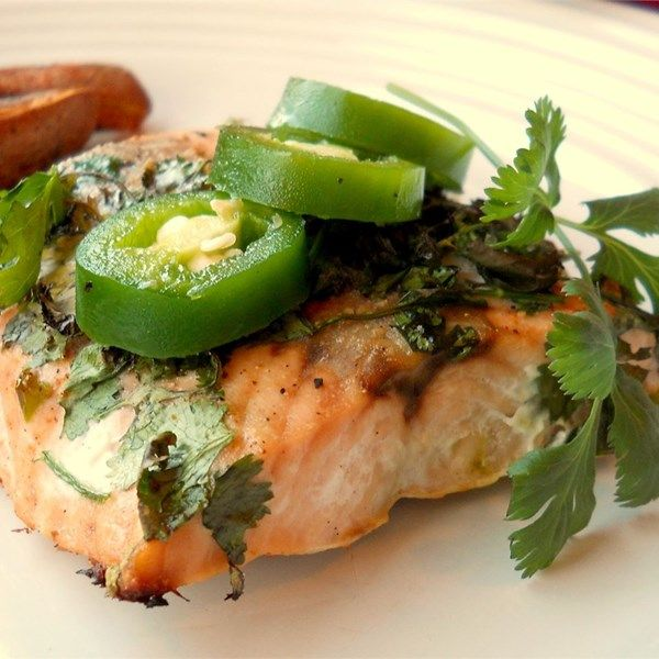 """Grilled Salmon with Cilantro Sauce 