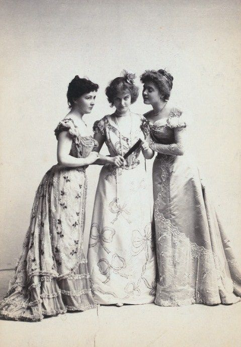 Timelessly beautiful Edwardian evening wear. #vintage #Edwardian #women #dresses
