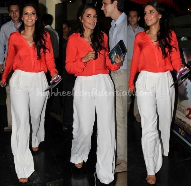 i LOVE her outfit....want it NOW!!