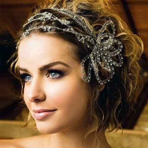 wedding hairstyle for short wavy hair:  absolutely love the head band on this one!