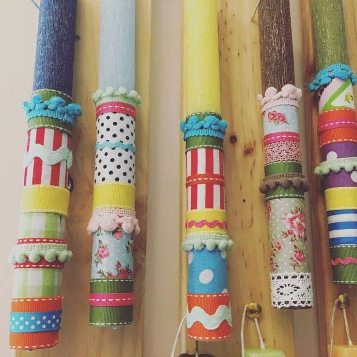 #Μοναδικό - Χειροποίητες αρωματικές #λαμπάδες σε πλούσια χρώματα ντυμένες με υφάσματα - κορδέλες & pon-pon   https://www.facebook.com/monadiko.accesories/