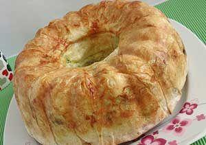 Kek Kalıbında Şeritli Börek Tarifi