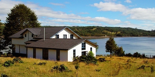 Puerto Nativo, Chiloe, Chile Hotel Reviews     A young Chilean couple's dream home on a remote bay on the island of Chiloé, offering a unique and very special insight into this unspoilt region