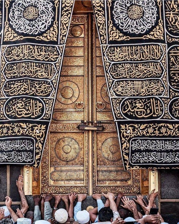 Imam Preaching In Mosque Imam Islamic Priest Preaching In