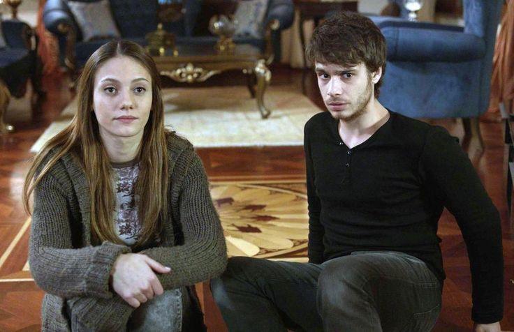 Aşk Yeniden 5.Bölüm Özeti (10 Mart 2015 Salı / Fox Tv)  http://baydizi.com/yerli-dizi/ask-yeniden/ask-yeniden-5-bolum-ozeti-10-mart-2015-sali-fox-tv/#ixzz3TSC3ZYYc