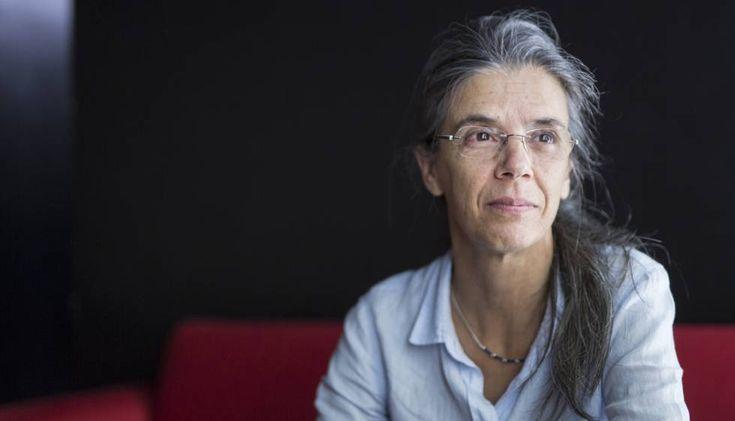 """Anna Casassas traductora setmana llibre català:  """"Un traductor ha de ser atrevido y hacer que un texto suene bien""""   Cataluña   EL PAÍS"""