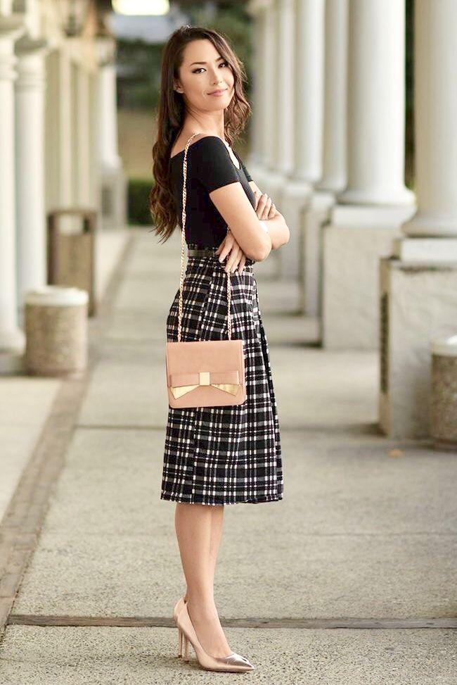 Modest + Feminine | Classic pieces | Midi Skirt | Modest Fashion