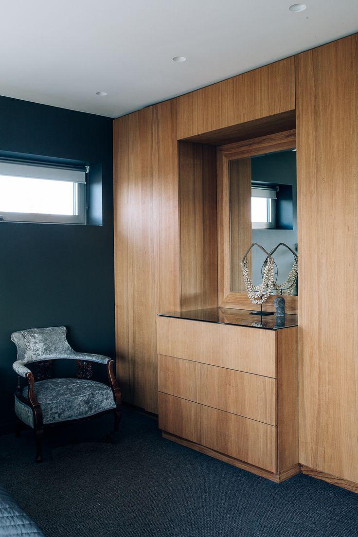 Wardrobe with Dressing Table www.cki.no