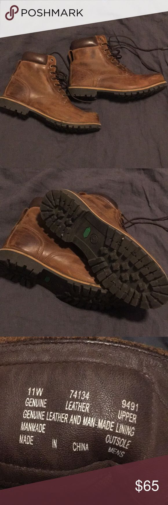 TIMBERLAND Boots - Size 11 - Mens Brown leather Timberland boots, perfect for outdoor activities like hiking and adventures. Timberland Shoes Boots