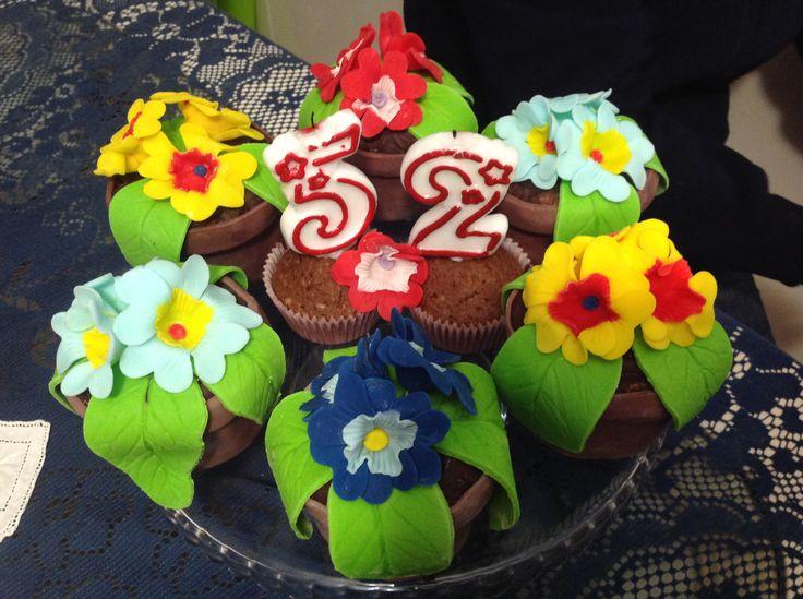 Vasetti di primule cupcakes al moncheri