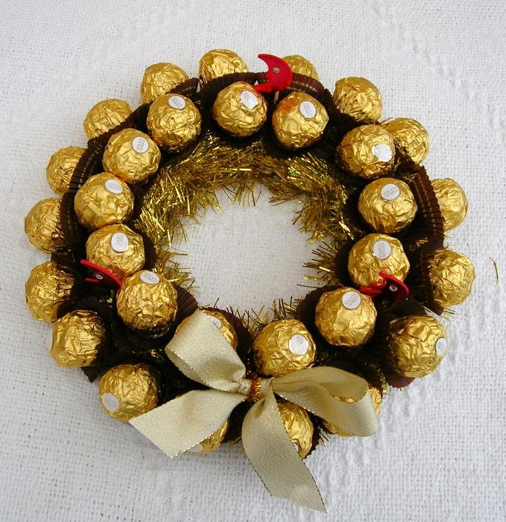 idea de regalo para Navidad :  Corona navideña con bombones