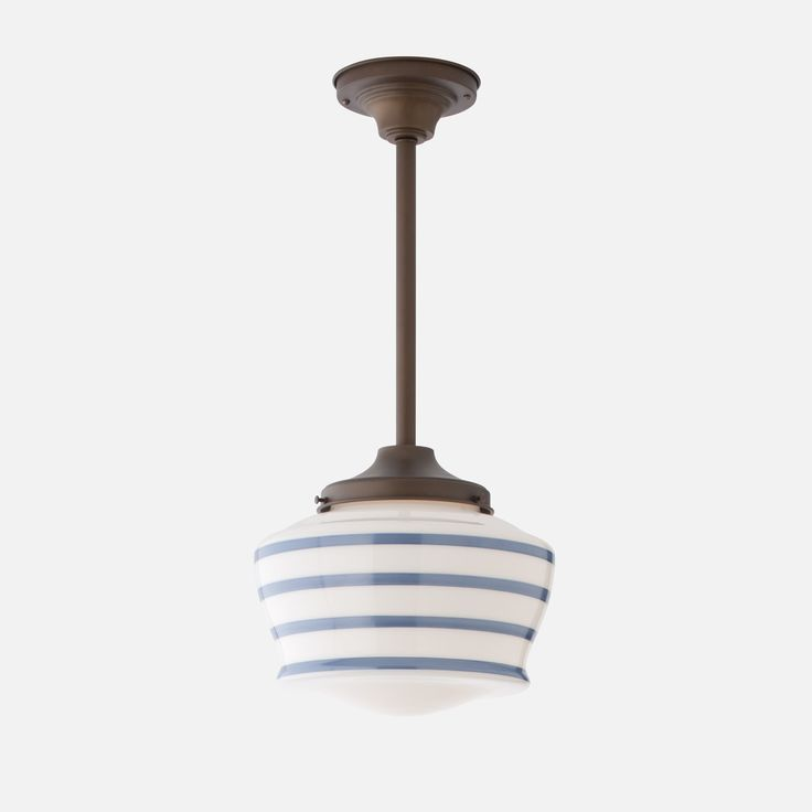 Browse a selective list of artists and manufacturers for Arts & Crafts-inspired lamps and lighting, for both interior and exterior use.
