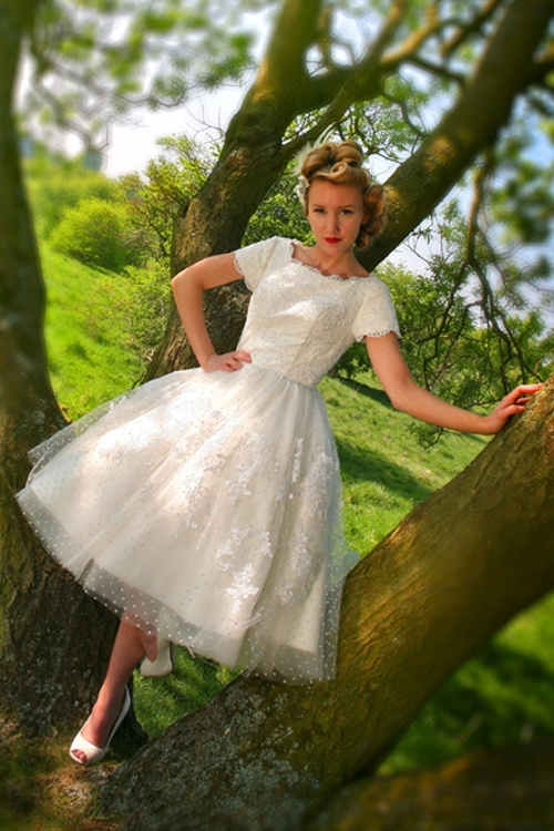 Short Swiss Dot Tulle and Lace 1950's Wedding Dress