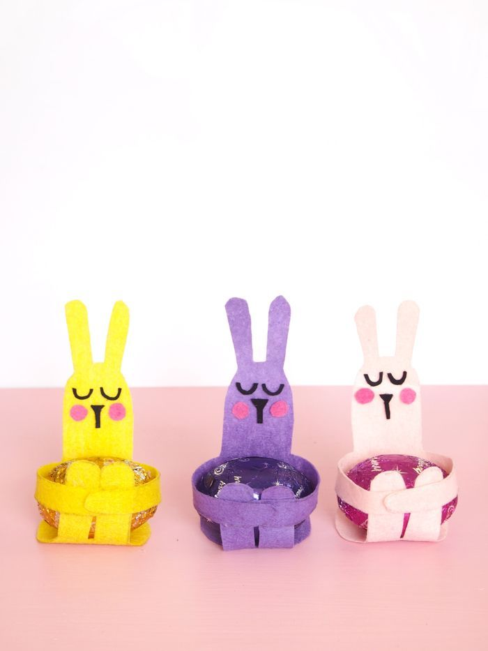Bloesem kids craft | DIY Easter egg hugs.  Includes template for bunny...very cute.