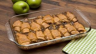 Need a simple, yet delicious dessert? This recipe combines an unlikely ingredient, 7UP, with classic apple pie flavors for an easy, yummy sweet.