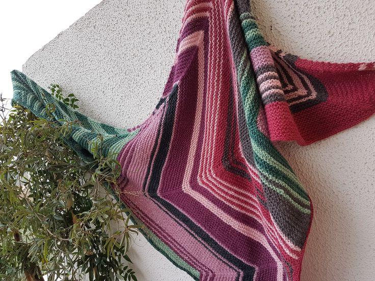 Scialle in alpaca 100% di colori naturali realizzato a ferri cicolari  da un'ispirazione del web