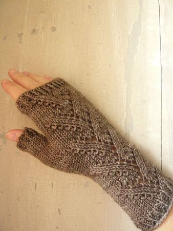 Foliage Lace Mitts on Ravelry