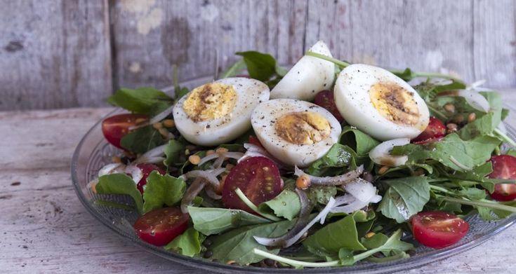 Σαλάτα με φακές και αυγά