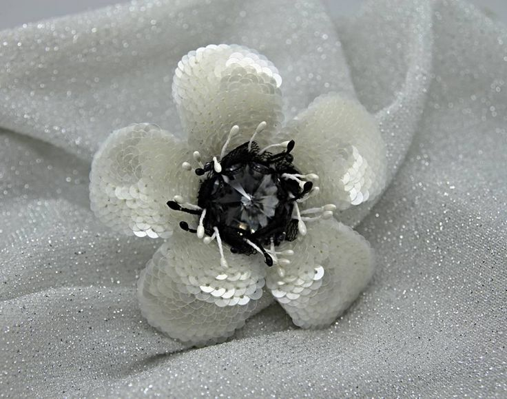 Brooch Seguins Perlsequins flower brooch Swarovski Rivoli Gray Crystal Silvernight Whiteflower jewelry jewels toptags jewel fashion trendy accessories love crystals beautiful ootd style fashionista accessory instajewelry stylish cute jewelrygram fashionjewelry jewelrybynatalia @jewelrybynatalia Inga Marita Цветок по МК замечательного мастера Инги Мариты #Seguins #Perlsequins #flower #brooch #Swarovski #Rivoli #Gray #Crystal #Silvernight #Whiteflower #jewelry #jewels #toptags #jewel #fashion…