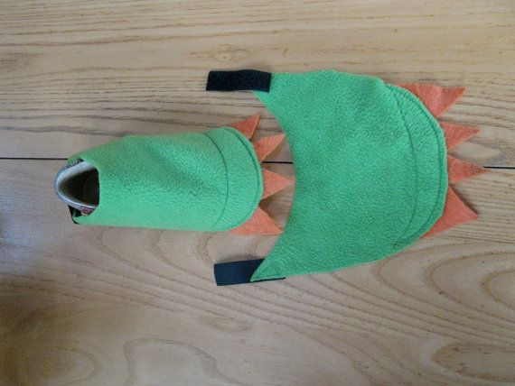Dragon Claw Feet Covers by NaturallyCraftyShop on Etsy (in black for Toothless)