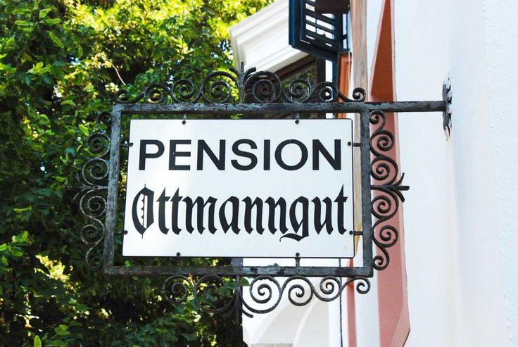 Eingangsschild Pension Ottmanngut in Meran