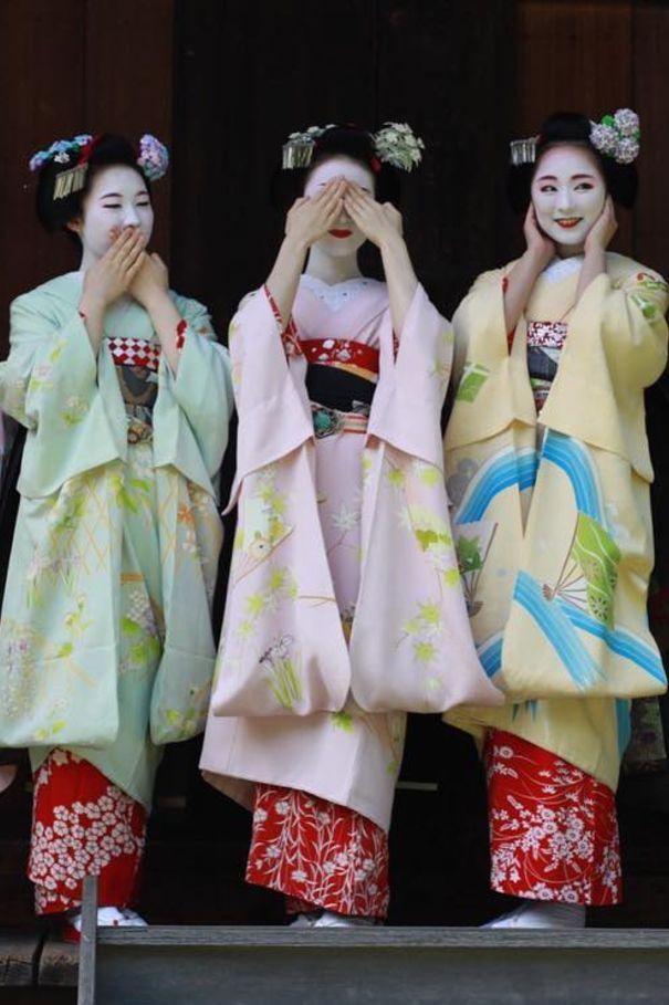 """""""Hear no evil, see no evil, speak no evil."""" Maiko, Mamesumi, Mameryu and Mikako. Kyoto. Japan."""