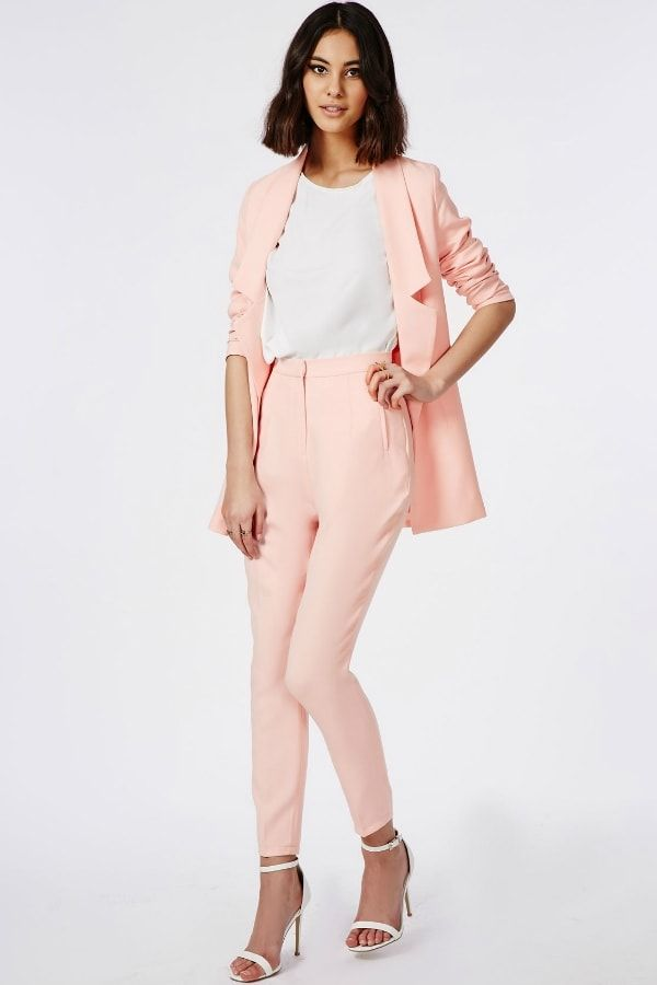 Ensemble tailleur rose pâle de Missguided