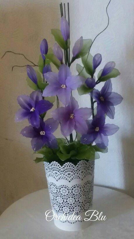 composizione di fiori in nylon